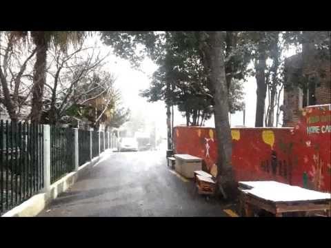 겨울왕국 부산. 흰눈이 반가운 부산~ 올라프? Snowy Busan - YouTube