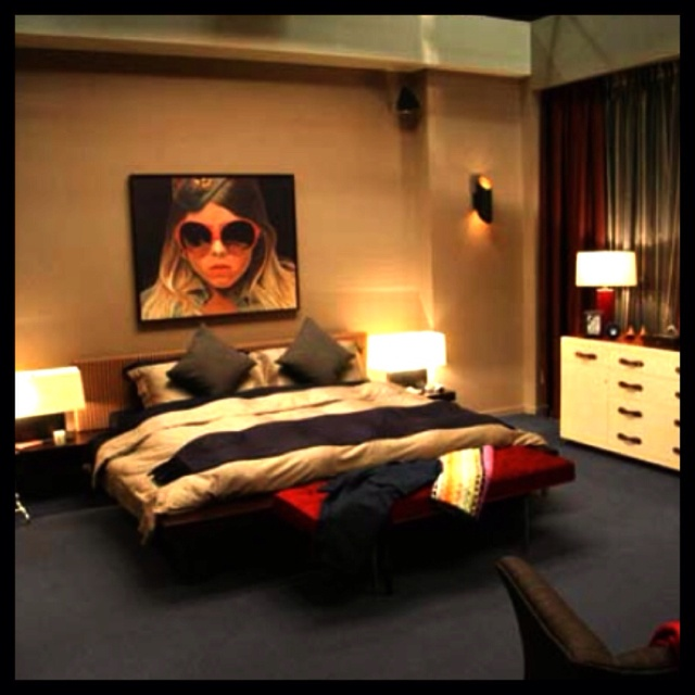 love this modern chic bedroom - Blair Waldorf Wohnheim Zimmer