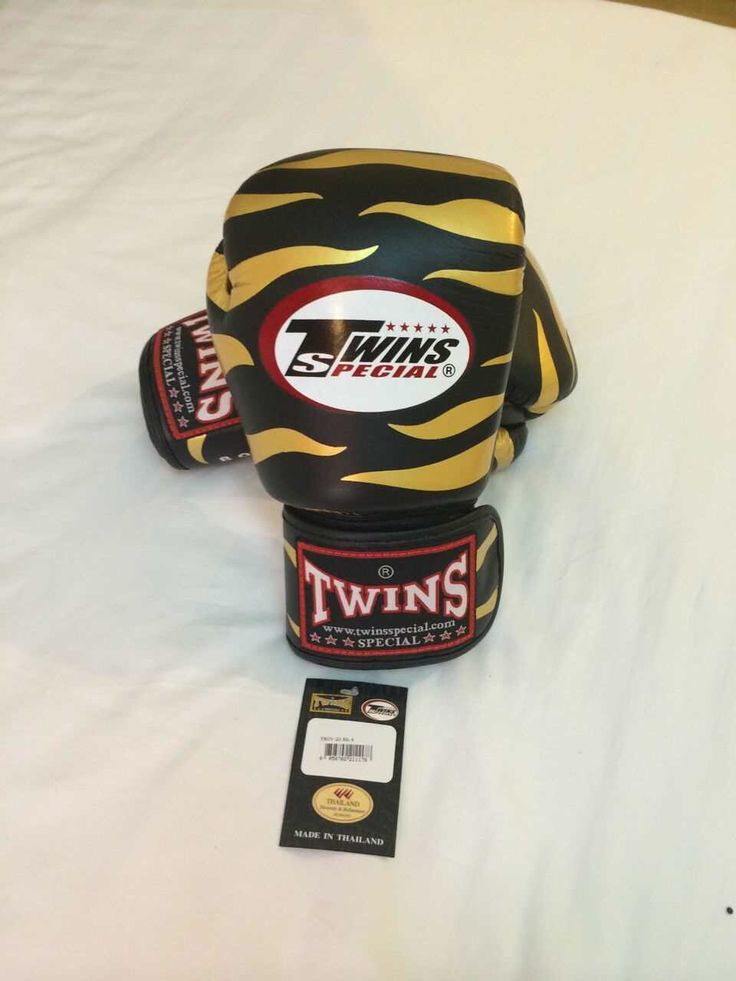 TWINS Zebra Gold Twins Special  PREMIUM LEATHER Made in Thailand  Model: Pattern Color Size & Price: -   8oz: IDR 800,000.00 - 10oz: IDR 850,000.00 - 12oz: IDR 900,000.00 - 14oz: IDR 950,000.00  Contact: House Of Gloves  Whatsapp: +6281290248044  Instagram: hsboxinggloves  LINE : houseofgloves  BBM: 51284F0F  #boxingshop#twinsshop#boxinggloves#mma#bjj#boxer#kickboxing#thaiboxing#fighter#gloves