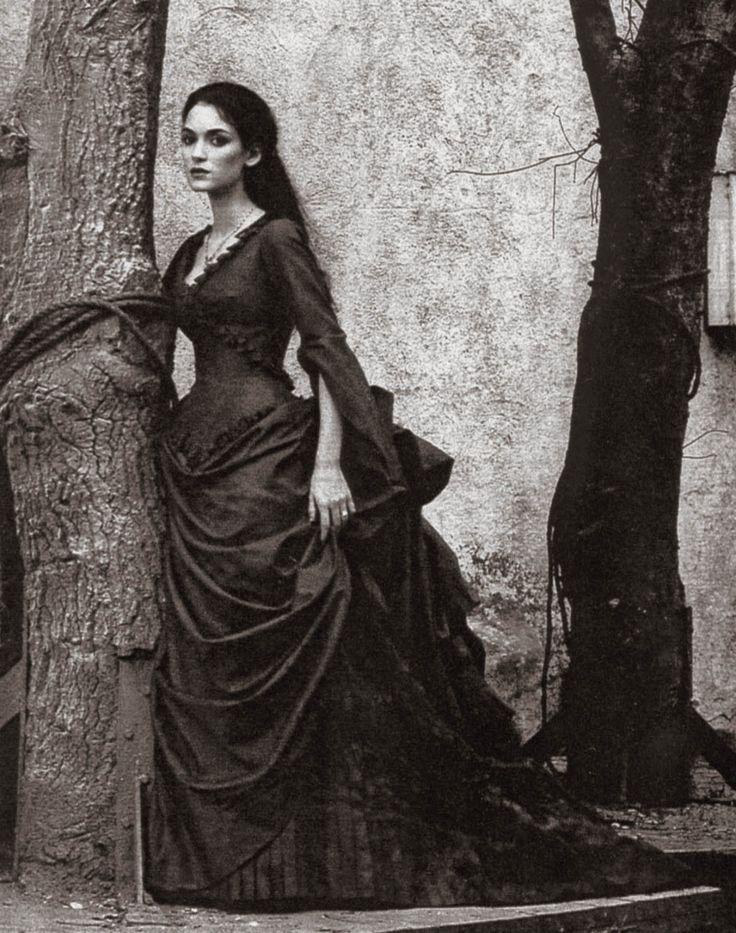 "Winona Ryder en""Drácula de Bram Stoker"" (Bram Stoker's Dracula), 1992"