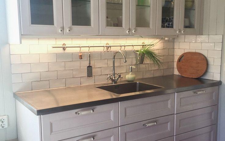 Rostfri diskbänk (Neonela Design) till ett IKEA Metod kök.