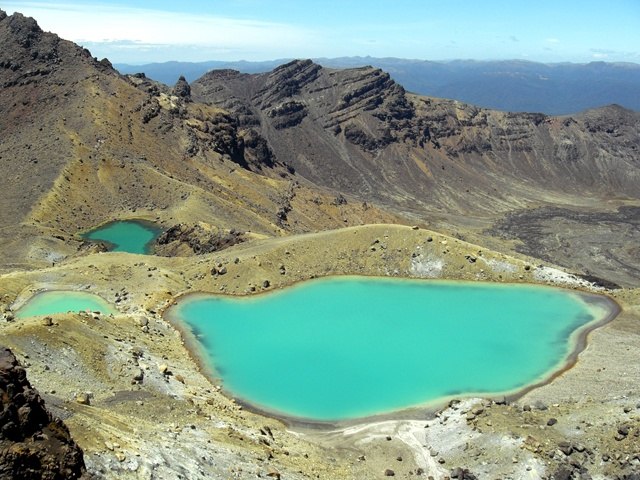 Blue Pools, Tongariro Crossing in New Zealand