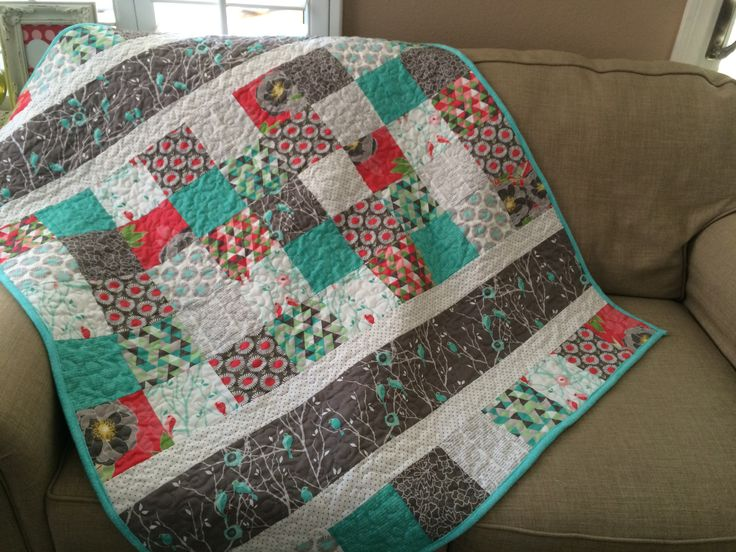 I love this baby quilt pattern. I recently helped with a baby shower for a sweet friend who is expecting her first baby. I made her this quilt. This is the best baby quilt pattern because you c…