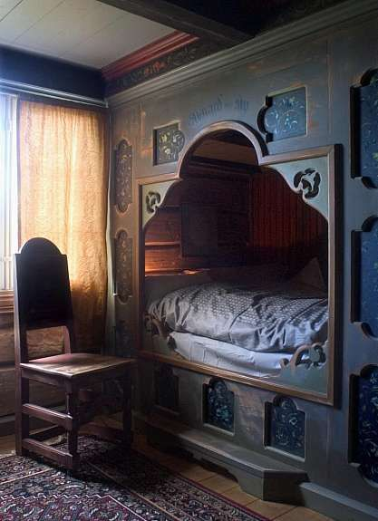 Eidsborg Museum in Telemark, Norway. Eidsborg is over to the west of Kviteseid, near Dalen at the end of the canal. This built-in bed is lovely to look at, but perhaps not so comfortable to sleep in! We probably grow taller now than our ancestors did!