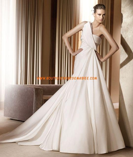 Robe de mariée 2011 en satin une bretelle