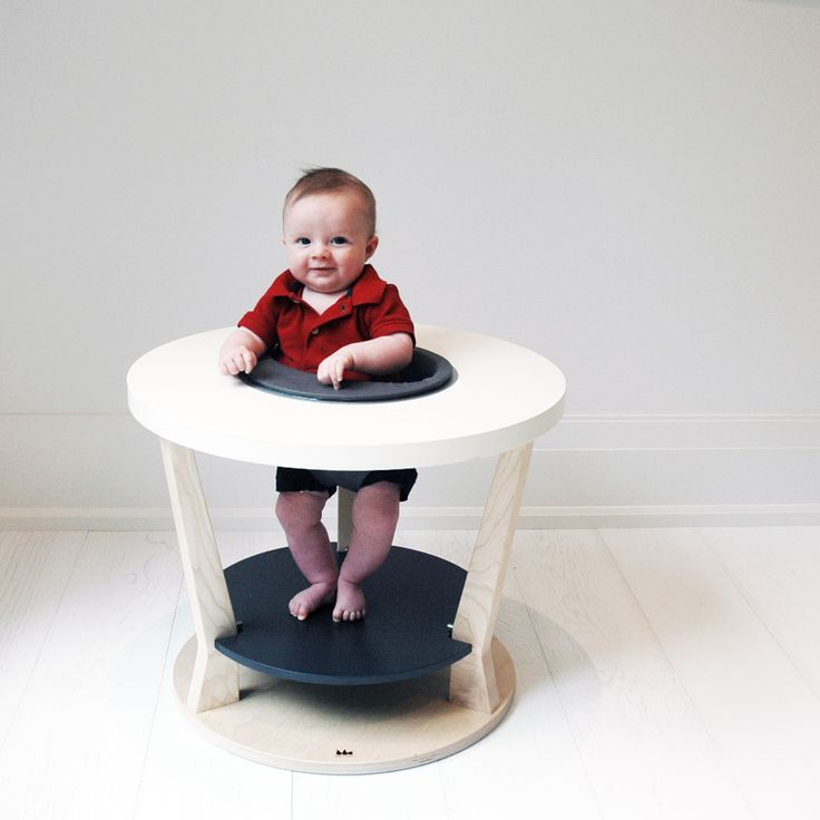 A sneak peak at Robbie in our new monochrome Bobbin.   Matching toy line will be available too!