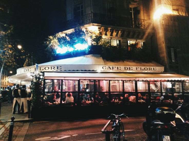 Picasso, Hemingway, Capote, todos fueron habitué de este histórico cafecito parisino.  #Paris #CafedeFlore #SaintGermaindesprès #parisianstyle