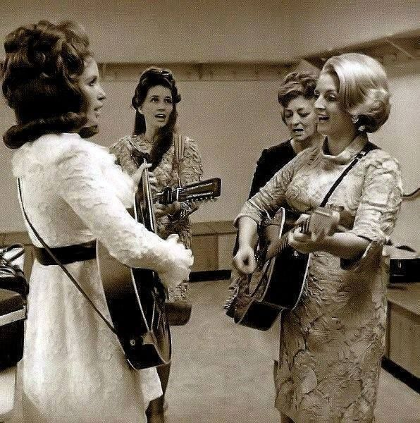 The Carter Family rehearsing (1968/69) L - R: June, Anita, Mother Maybelle & Helen