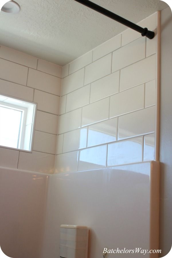 Batchelors Way: Girls Bathroom - The easy way to use Silcone Caulk and