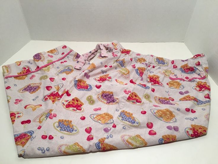 """Nick and Nora capri sleep pants in fruit pie design. They are a size large and are in good pre-owned condition. 32"""" length. 