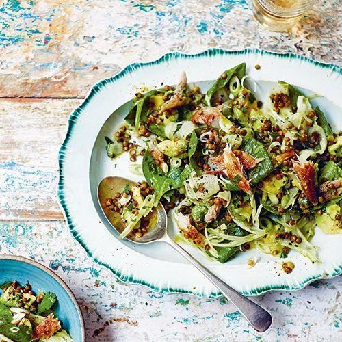 Kruidige Puy-linzen, spinazie en gerookte makreel (of feta) - recept - okoko recepten