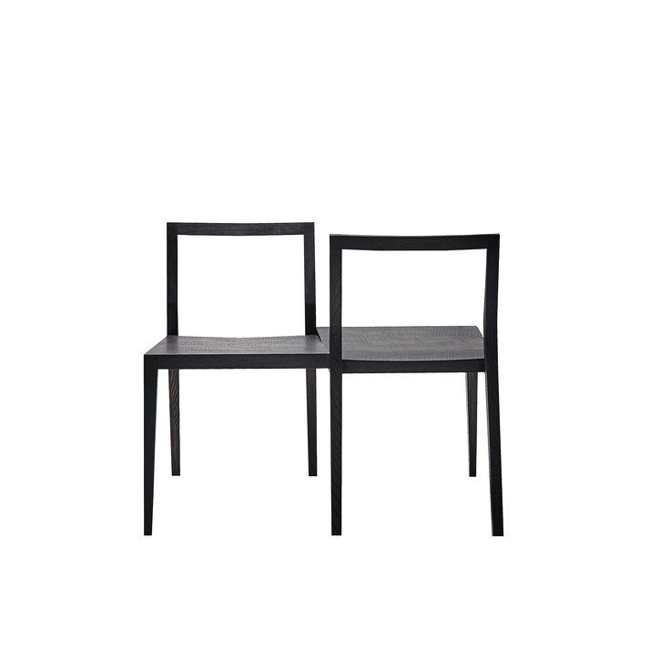"""Doppelstuhl Ghost-W von #MINT Furniture  ab 449,00 € Der Stuhl """"GHOST-W"""" ist die zeitgemäße MINT-Version des 18.Jahrhunderts """"Love Seat"""" für zwei Personen. Die Menschen sitzen in gegenüberliegenden Richtungen, sie haben die Möglichkeit miteinander zu kommunizieren oder den Kontakt auszulassen. Es ist ein ideales Sitzmöbel für öffentliche Bereiche wie Kunstgalerien und Schuhgeschäfte. Dieser Artikel ist in 4 verschiedenen Holzarten erhältlich. #Massivholzmöbel #Vollholzmöbel"""