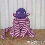 "From Red Ted Art: ... a ""classic"" Sock Monkey from my child's old tights!: Monkey Tutorials, Diy Socks, Sock Monkeys, Kids Stuff, Originals Patterns, Funky Kids, Socks Monkey Patterns, Sewing Socks, Sock Monkey Pattern"