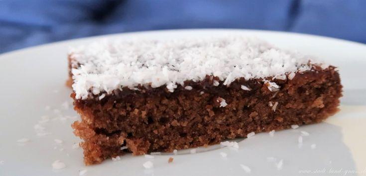 Kokos-Schokoladen Würfel. Ein Kuchen-Klassiker für Feste. Party-Kuchen, saftig fein.