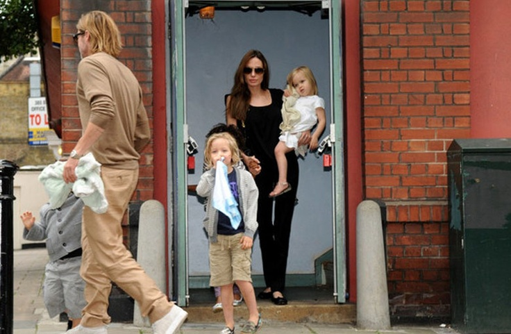 Angelina Jolie And Brad Pitt With Kids To See 'The Smurfs'