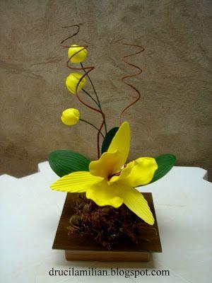 Arteirices da Dru: Orquídea Amarela em EVA com Botões