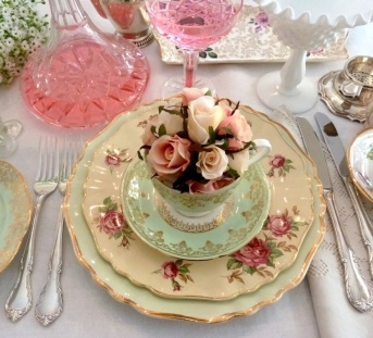 The Vintage Table - Vintage High Teas ~ Antique China ~ Decor & Prop Hire ~ Weddings ~ Bridal & Baby Showers