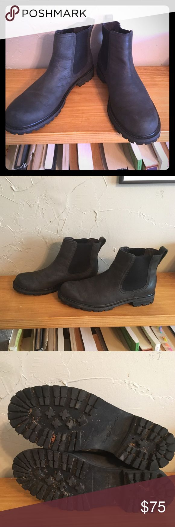 John Varvatos Black Leather Chelsea Boots, 8 Mens Stylish and GUC leather Chelsea boots. Hoeing is in perfect condition. Brand is John Varvatos. Please ask question and make offers! John Varvatos Shoes Boots