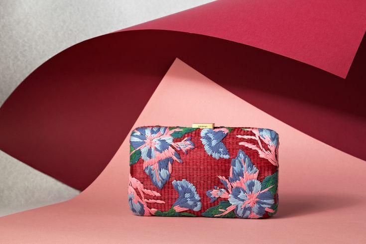Serpui corporate design by @studionewwork http://mindsparklemag.com/design/serpui/ #branding #bag #luxury