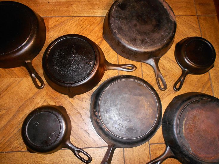 Identifying Old Cast Iron Pans AS HORRIBLE AS THIS WILL SOUND AND IT WILL... I LOVE WHEN OLD PEOPLE DIE BECAUSE THEY ALWAYS HAVE THE BEST CAST IRON POTS AND PANS SMH I KNOW.... BUT THEY DOOOOOOO PLEASE DONT JUDGE