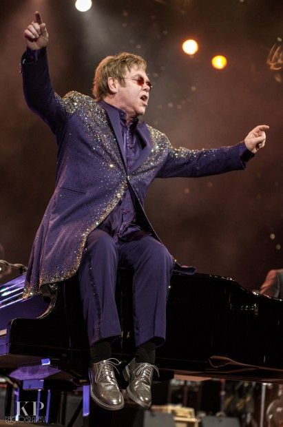 I genuinely feel bad that I missed Elton John in Memphis. :'(