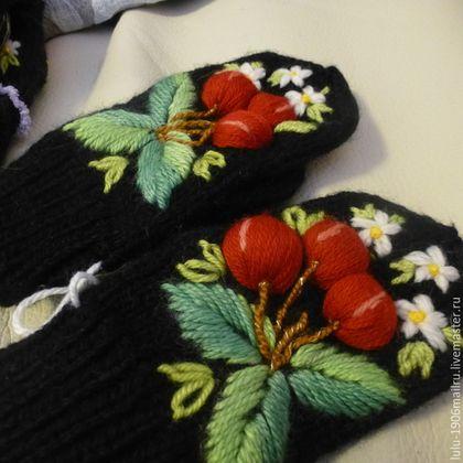 Купить Вышитые перчатки - чёрный, цветочный, объемная вышивка, подарок на новый год, вышивка шерстью