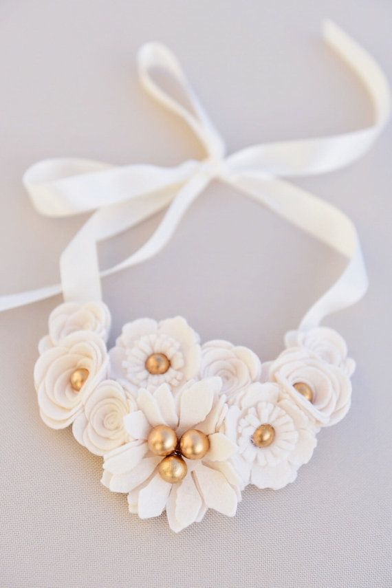 Ivory Felt Flower Collar Necklace with Gold beads от MyDearEllie