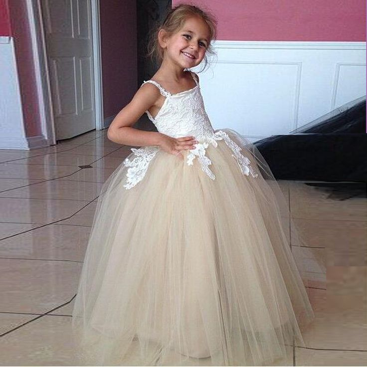 Comfortable Tulle Flower Girl Dresses Cheap Floor Length White Appliques Girls Pageant Dress Low Back Ball Gowns for Wedding