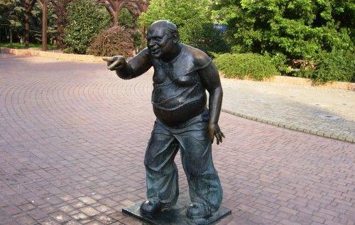 В Москве сдали памятник Леонову в пункт приема цветных металлов. Кризис начался