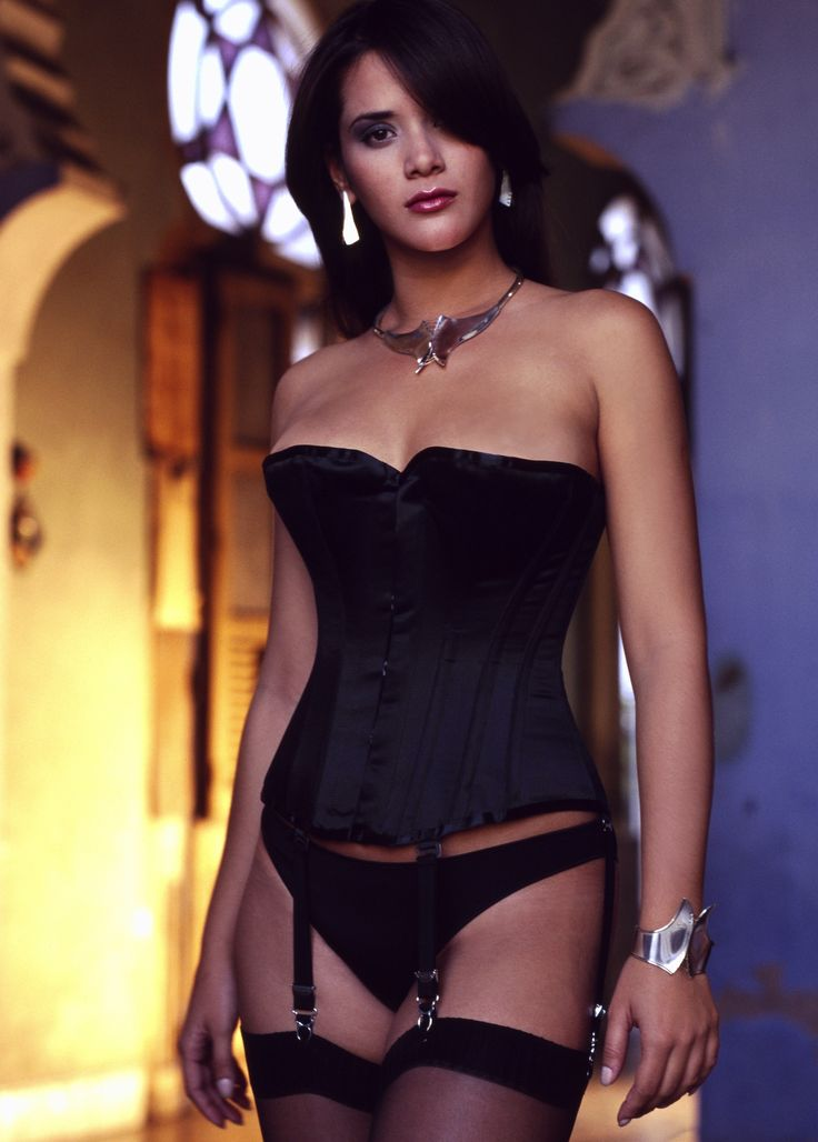 Eye Candy/ 1905 Corset in Black Satin: http://www.vollers-corsets.com/eye-candy.html