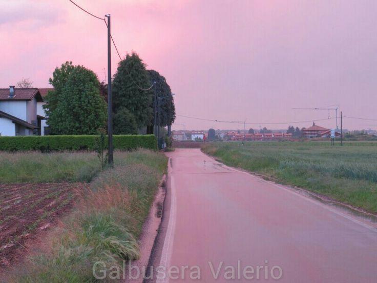 Temporale a Saronno con cielo viola.