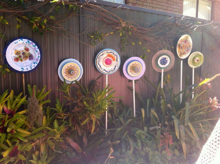 Flowers from old plates
