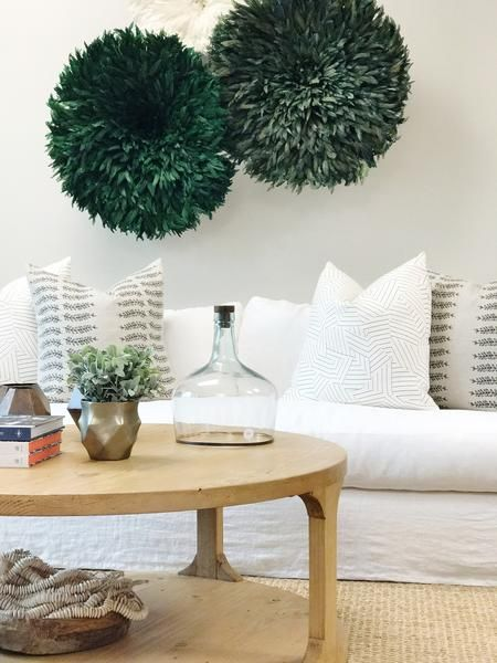 33 Green Living Room Wall Ideas Emerald Green Decorating: 25+ Best Ideas About Green Rooms On Pinterest