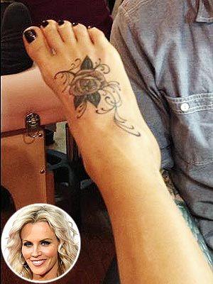 Super Bowl Blackout - Jenny McCarthy Gets a Tattoo