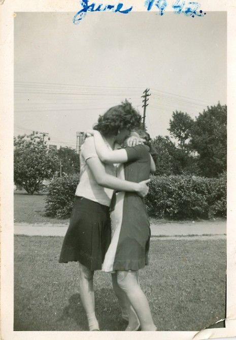 dvd photographer couple lesbian