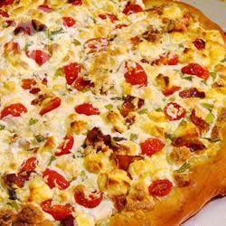 Pizza de queijo de cabra com bacon e aspargos @ allrecipes.com.br