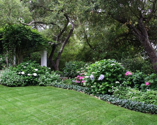 Traditional Landscaping Ideas For Front Of House Design, Pictures, Remodel, Decor and Ideas - page 17