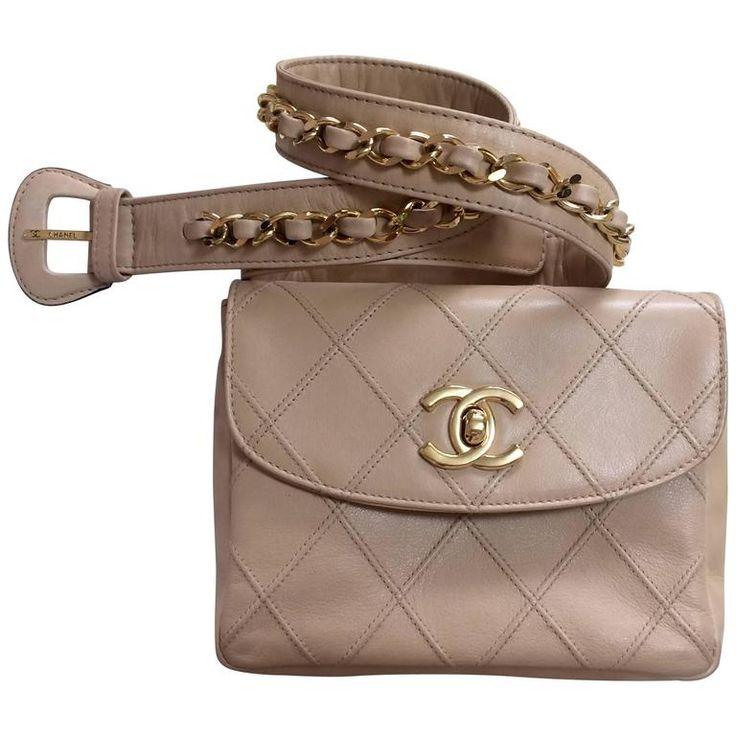 MINT. Vintage CHANEL beige waist purse, fanny pack, hip bag with gold CC motif. 1980