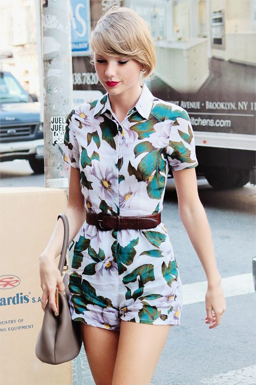 Taylor Swift And Her Awesome 37 Street Style Outfits