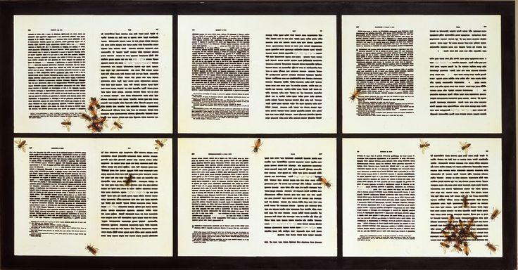 """Emilio Isgrò, Pentateuco 6, opera esposta in questo momento alla Triennale di Milano nell'ambito della mostra """"MILANO GALLERIE. Dalle parti della pittura e della scultura""""."""