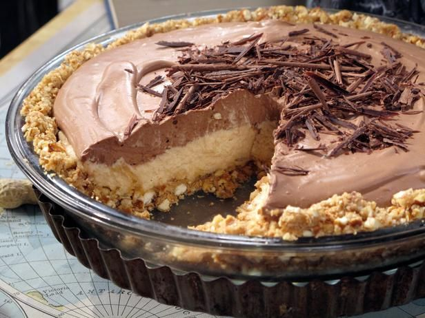 No-Bake Cream Cheese Peanut Butter Pie with Chocolate Whipped Cream & Pretzel crust