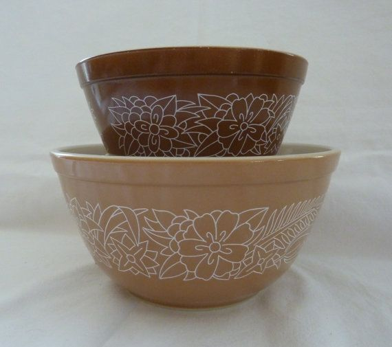 Vintage Pair of Pyrex Mixing Bowls - Woodland Pattern - Retro Kitchen - Collectible