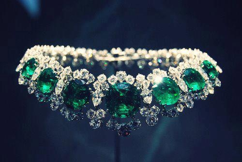 """The legendary emerald suite was bought by Elizabeth Taylor and husband Richard Burton at jewelers Bulgari while filming Cleopatra in Italy"