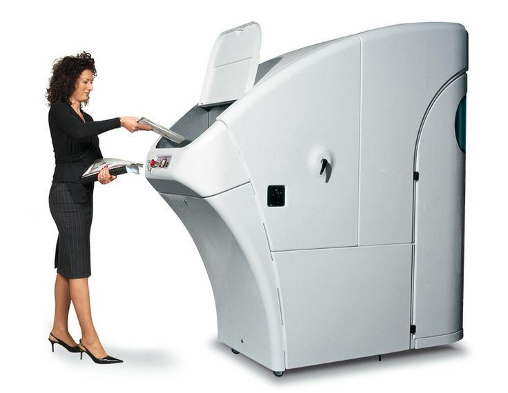 Kobra Cyclone est un destructeur de papier industriel spécialement conçu pour les grandes quantités de papiers (jusqu'à 420 kg à l'heure et 500 feuilles à la fois), cartes de crédit (45.000 à l'heure), CD / DVD / Blu-ray (15.000 à l'heure), Disquettes (7.000 à l'heure), carton, emballages, et même les canettes d'aluminium et les bouteilles en plastique.