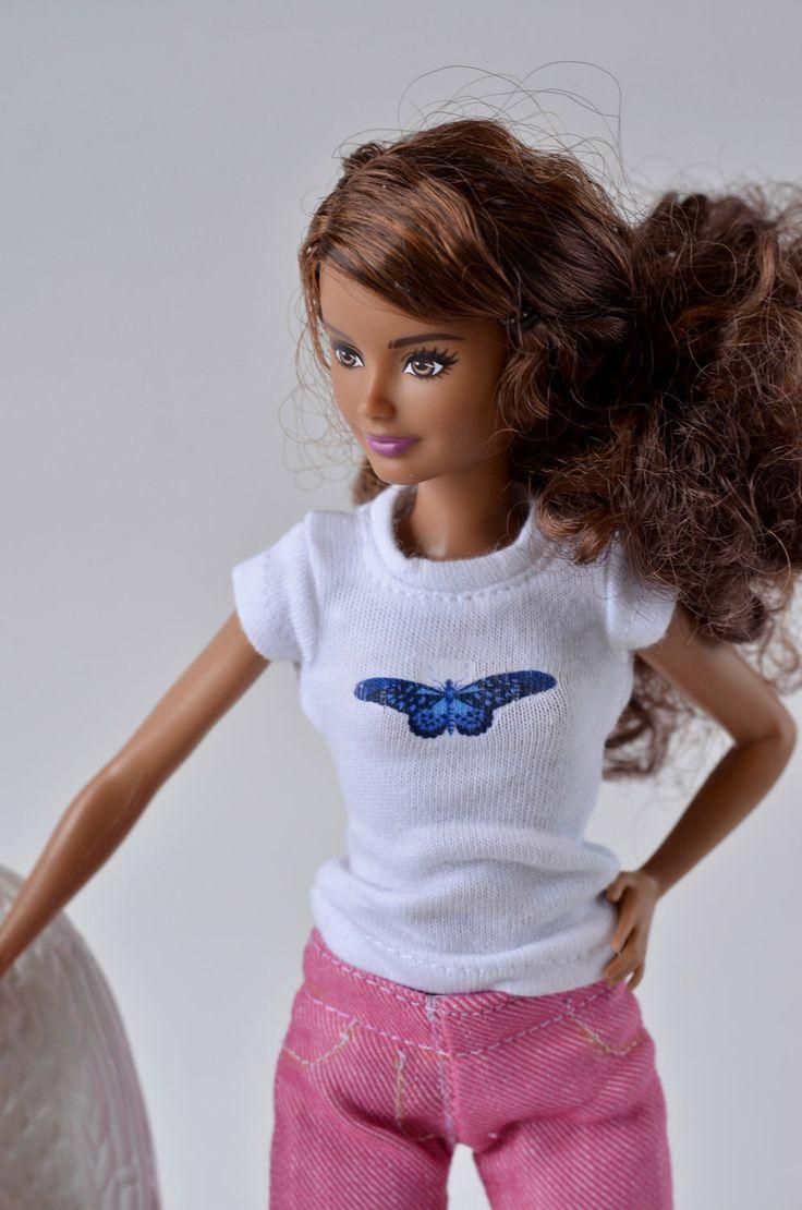 Le chouchou de ma boutique https://www.etsy.com/ca-fr/listing/497848180/vetements-pour-momoko-ou-barbie-t-shirt