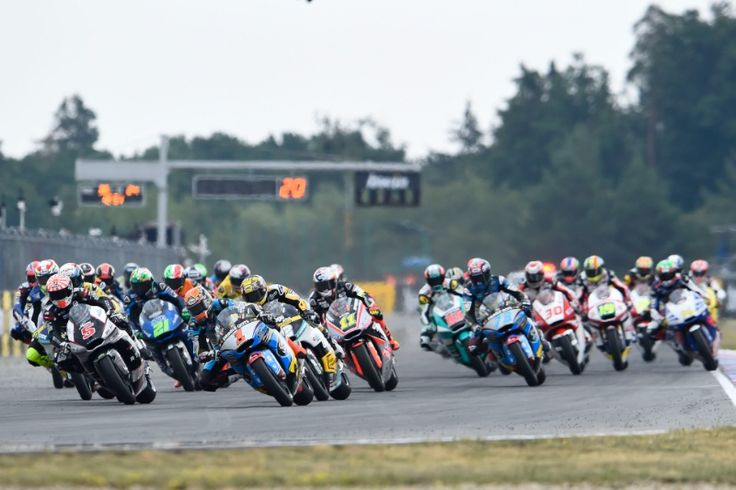 Rabat, Race start, Czech Moto2 Race 2015