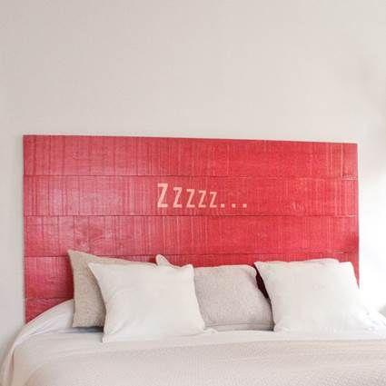 Decora tus paredes con palets de madera