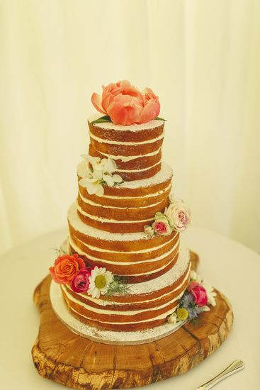 Simplicity at its best - and it's cake! Photo by Benjamin Stuart Photography #weddingphotography #weddingcake #spongecake #nakedcake