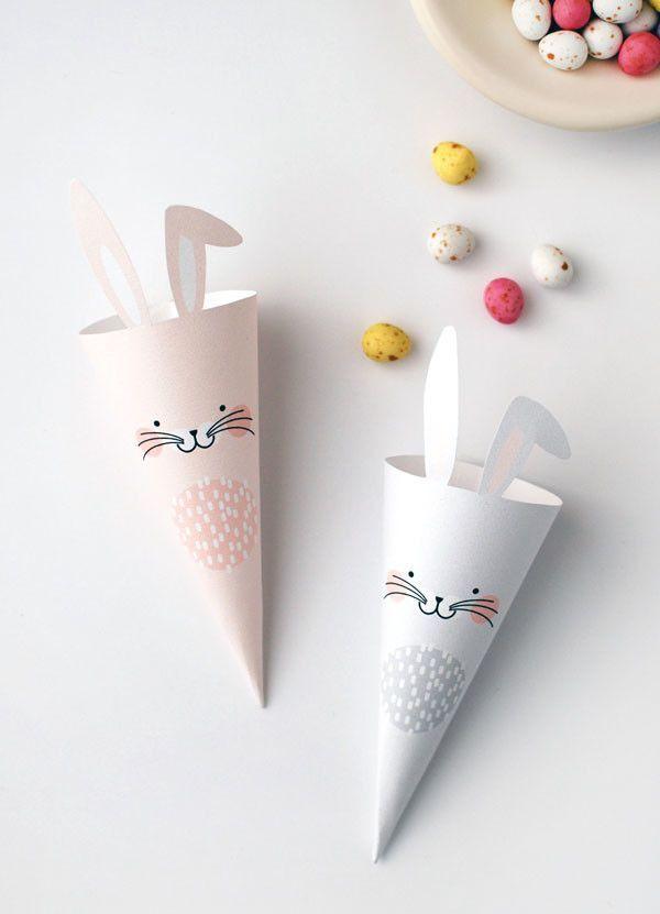 #Easter Bunny treat cones free Printable  www.kidsdinge.com    www.facebook.com/pages/kidsdingecom-Origineel-speelgoed-hebbedingen-voor-hippe-kids/160122710686387?sk=wall http://instagram.com/kidsdinge