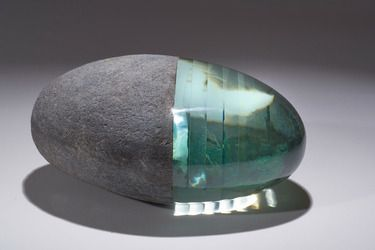 glass and stone sculpture by Ursula-Maren Fitz